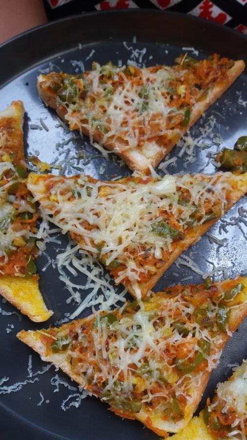 Cheese masala toast