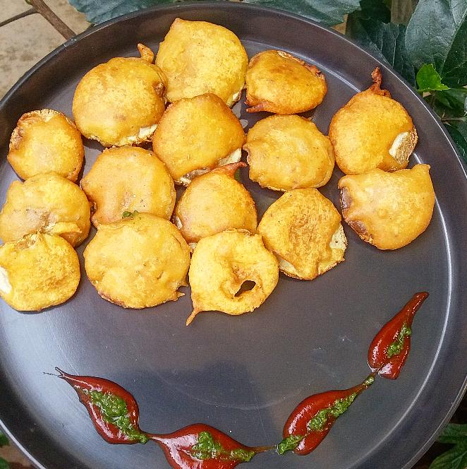 Lauki bhajiya/bottlegourd fritters/How to make Laukibhajiya